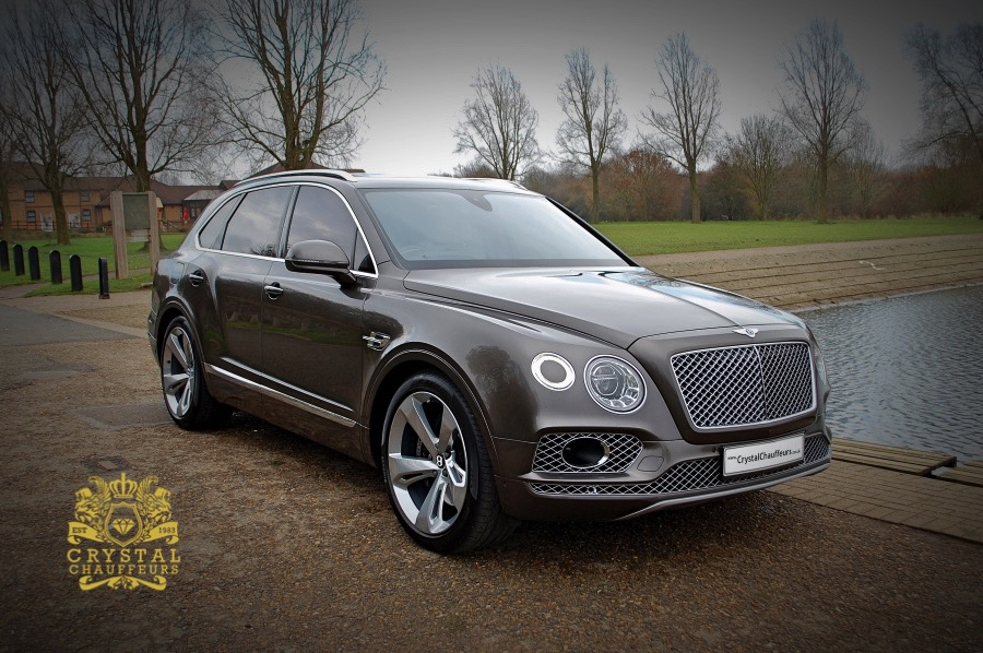 Grey Bentley Bentayga 1